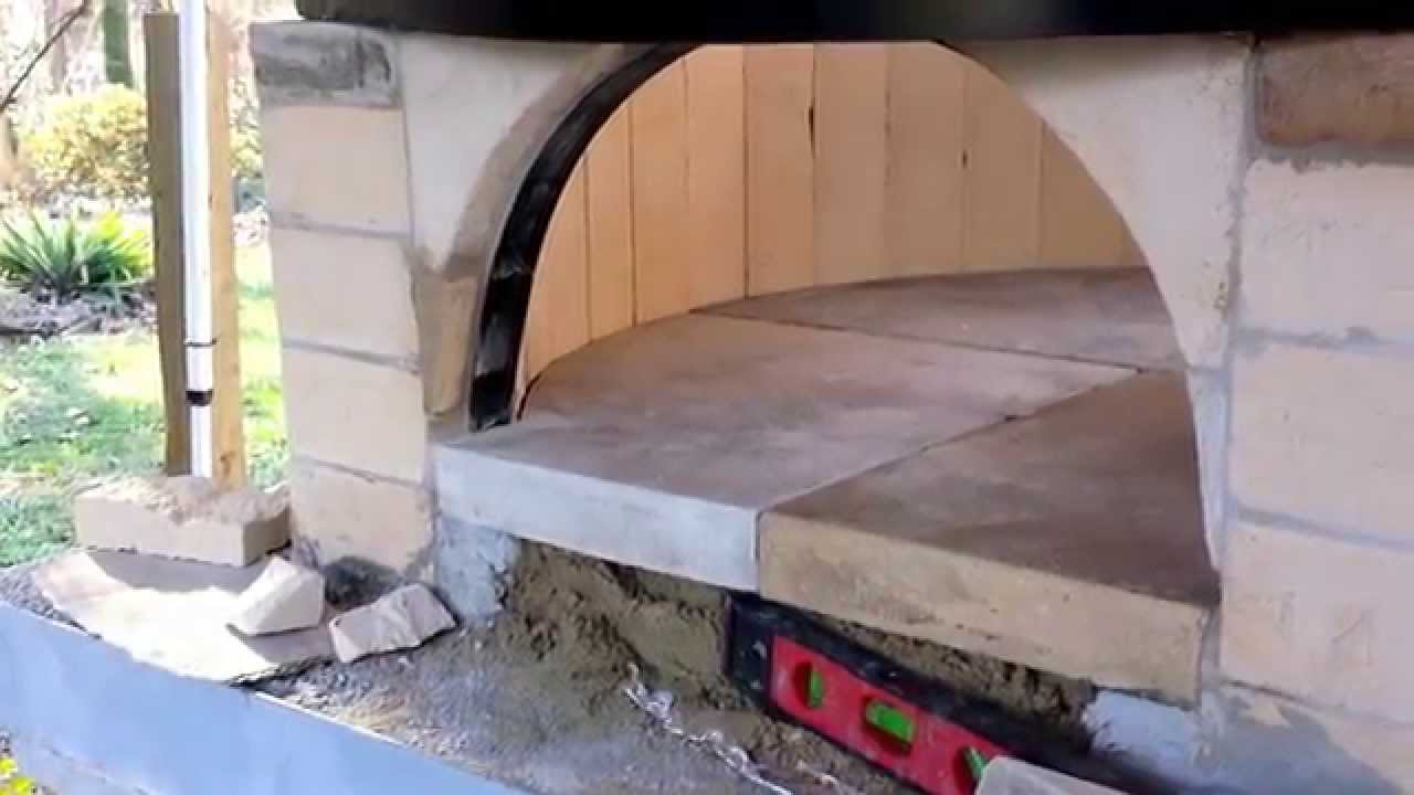 Costruzione forno a legna fai da te how to build wood fired pizza brick oven s7 youtube for Fontana giardino fai da te