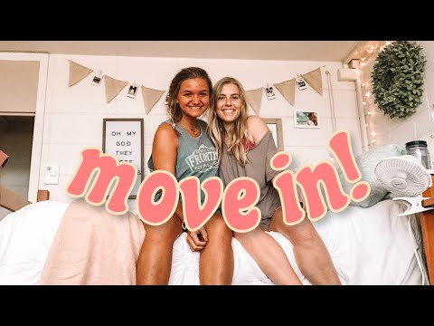 College Move In Vlog!!! University of Arkansas