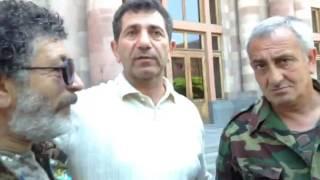 Освобожденный из колонии полковник Аветисян требует отставки Сержа Саргсяна и правительства