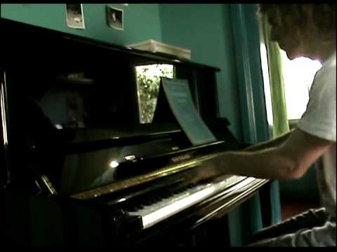 Thomas The Tank Engine theme song for piano
