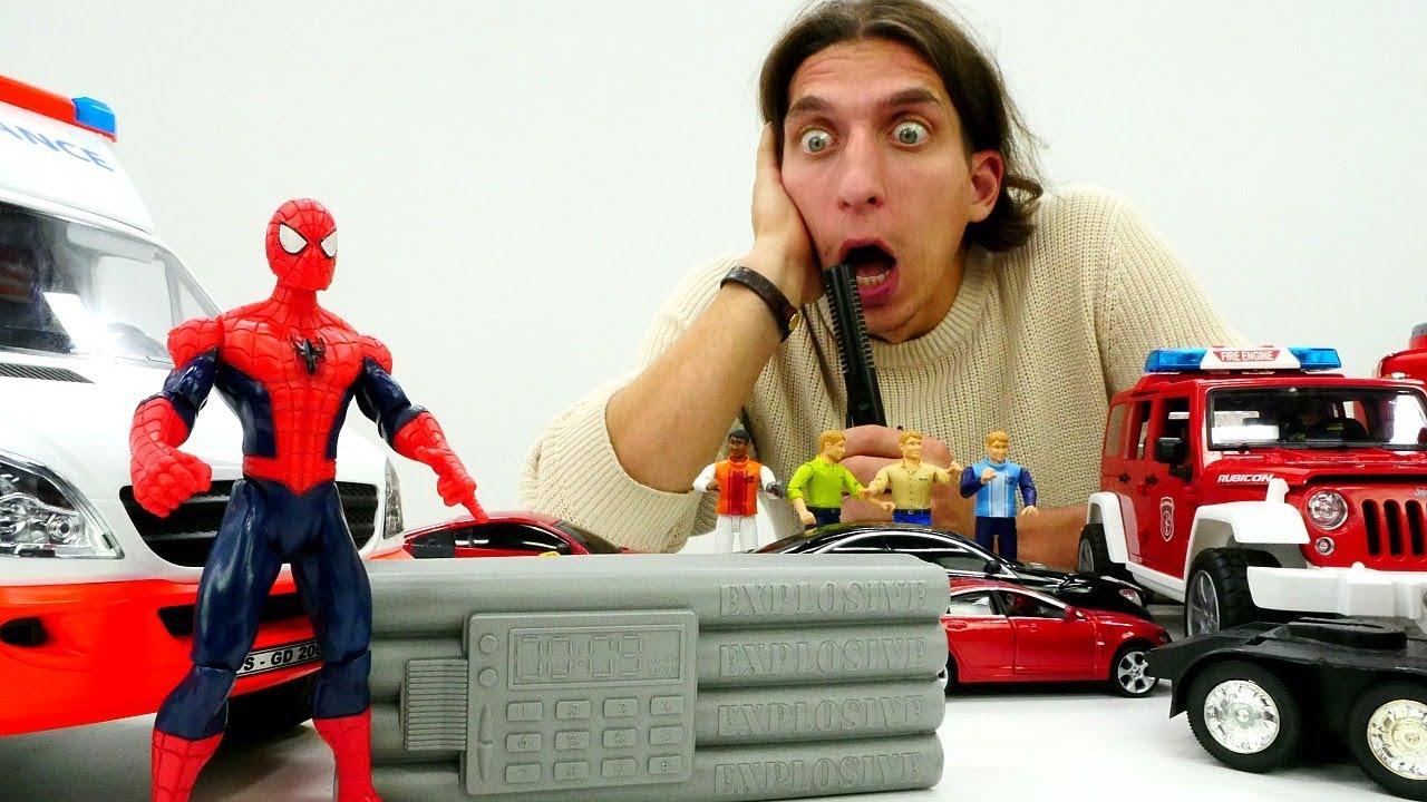 Человек Паук помогает машинкам. Игры для детей супергерои
