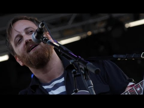 Dan Auerbach - Waiting On A Song (LIVE at The Growlers Six)