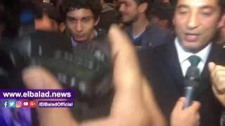 عمرو سعد ومجدى الجلاد فى العرض الخاص لـ'مولانا'.. فيديو