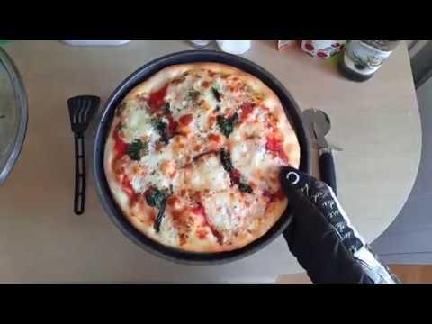 Неаполитанская пицца дома / Маргарита / Рецепт