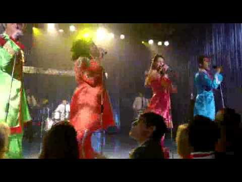 Glee S05E02 - Sergeant Pepper's Lonely Hearts Club Band Full version