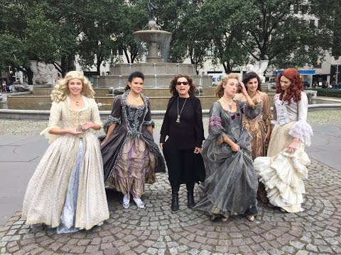 Versailles: NYC Flash Mob