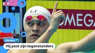 Geliefd en gehaat: deze zwemmer uit China