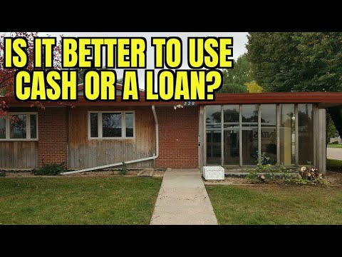 Should You Use Cash or a Loan When Buying Real Estate?