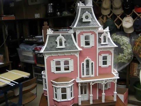 Ava's Beacon Hill Dollhouse