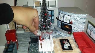DIY Miniature Christmas Dollhouse