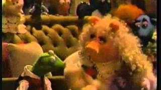 A Muppet Family Christmas- Trailer