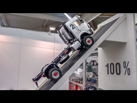 Fantastic technology! RC truck with REAL air suspension does 100%!