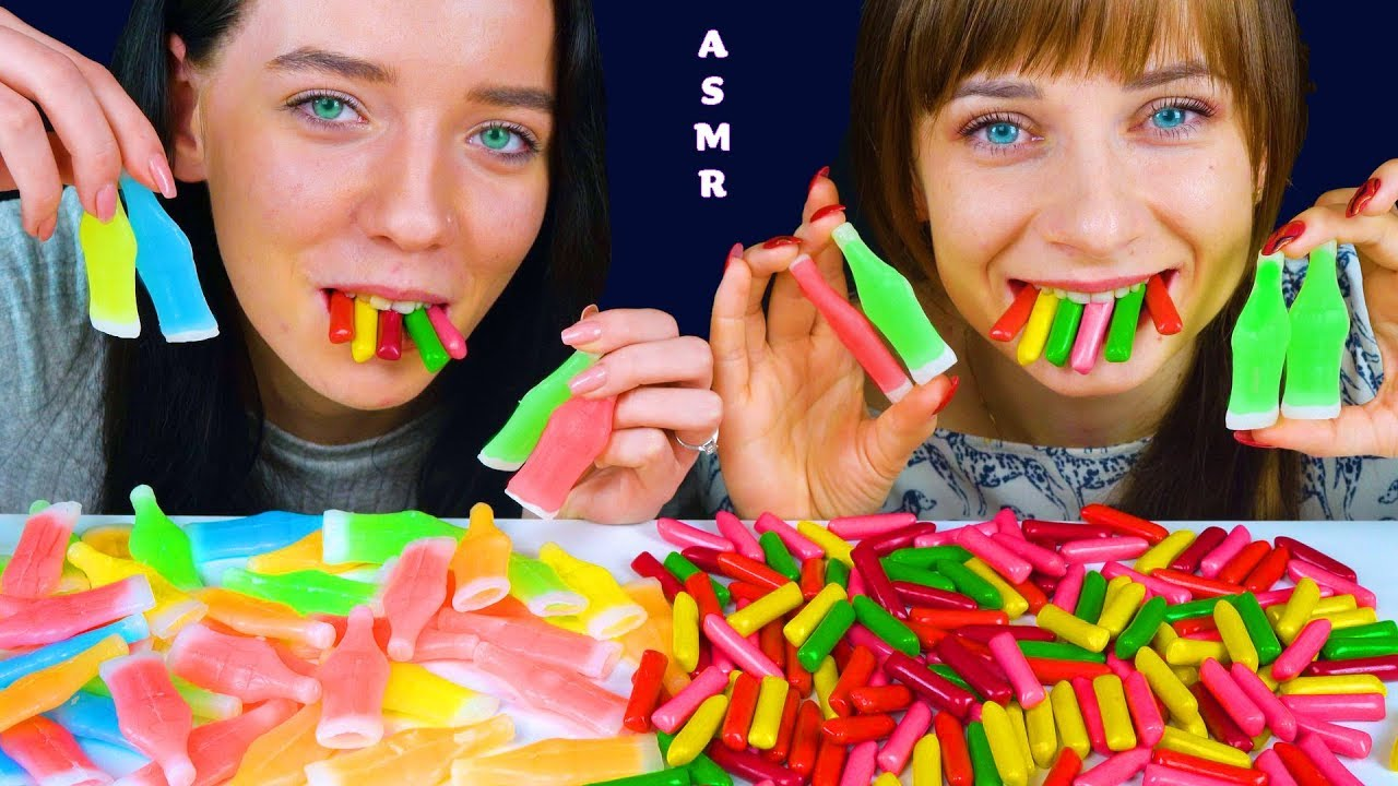 Hacer bien calculadora Sala  ASMR HITSCHLER HITSCHIES JELLY CANDY VS NIK-N-LIP WAX BOTTLES EATING SOUNDS  LILIBU - YouTube