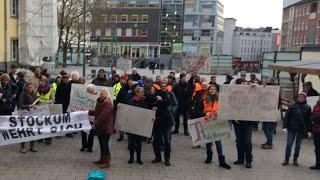 Demonstration vor dem Wittener Rathaus gegen Gewerbegebiet im Vöckenberg