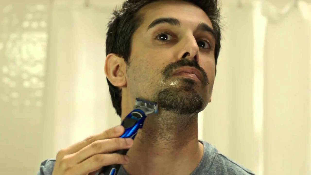 beard styles how to shave the royale beard gillette youtube. Black Bedroom Furniture Sets. Home Design Ideas
