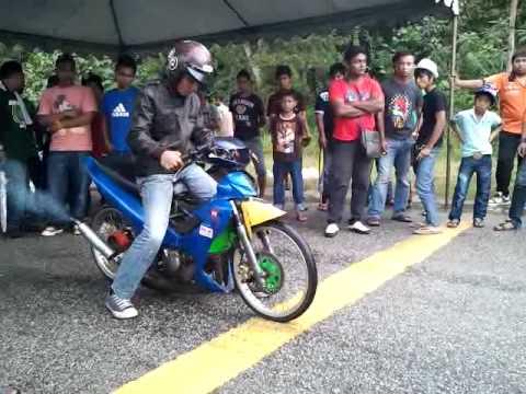 Kakimotor with AN2 crew Sprintest Seri iskandar