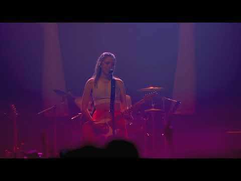"""The Regrettes """"Poor Boy"""" [Live From The Fonda Theater In Hollywood]"""