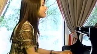 2006年、ノルウェーにて。辛島さんが作詞・作曲・歌唱されました。