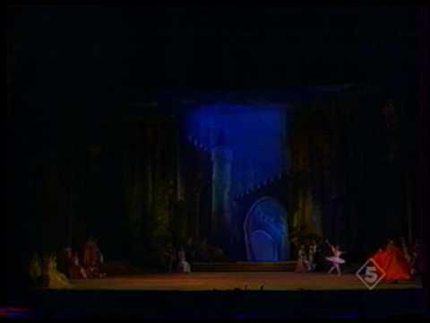 Yulia Makhalina - Raymonda variations act II