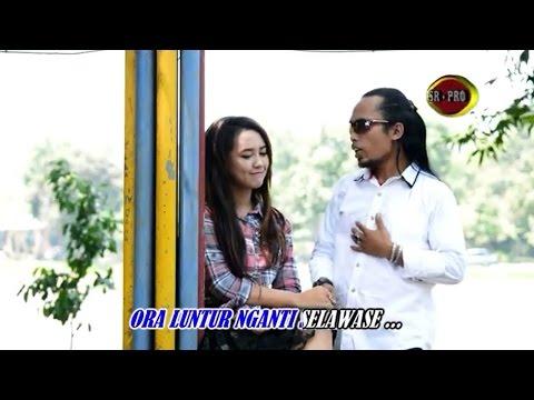Kangen Aku Kangen - Arya Satria feat. Happy Asmara (Official Music Video)