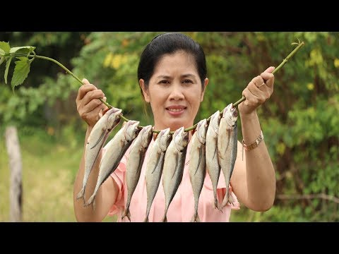 Awesome Cooking Fried Fish With Vegetable (Lettuce) Recipe -Cook Fish Recipes – Village Food Factory