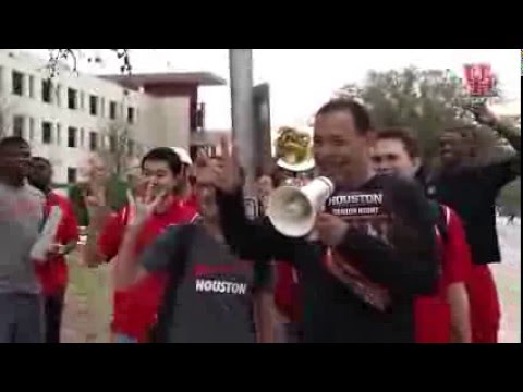 Kelvin Sampson Tours Campus in Preperation for Tonights Game