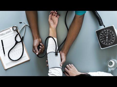 Mais de 66 mil brasileiros deixaram de ter plano de saúde em um ano | SBT Brasil (11/08/18)