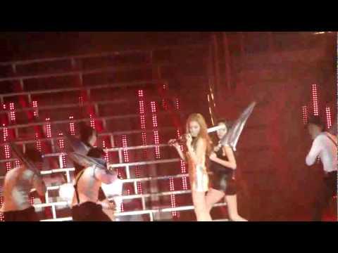 [Fancam] SNSD Tiffany Umbrella Taiwan Concert