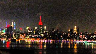 New York, New York - Empire State Building beating like a heart on Valentines Day HD (2015)