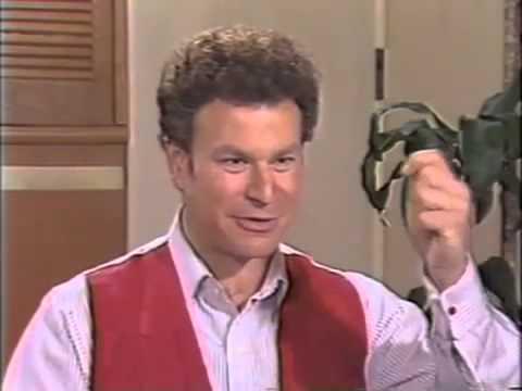 1989 Batman Robert Wuhl News Interview 1989Batman.com KCTV Movie Alexander Knox