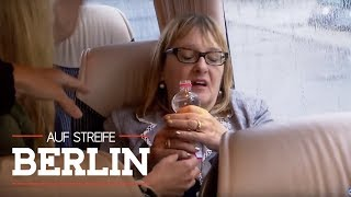 Touristen im Hitze-Bus - warum lässt der Fahrer die Heizung laufen | Auf Streife - Berlin | SAT.1 TV
