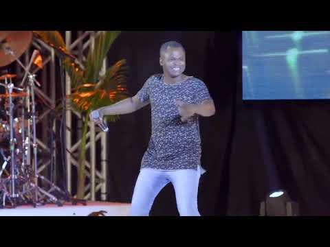 Swingaê - Marrom Bombom ft. Délcio Luiz (Dvd 1Nove90)