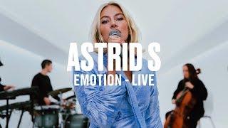 astrid s emotion live vevo dscvr artists to watch 2019