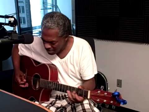 "Donald Kinsey, ""Big Boss Man"" (acoustic), on Local Spins Live, 7/3/12"