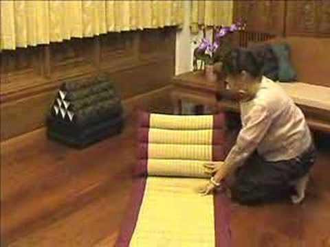 Thai Pillow Demonstration - YouTube