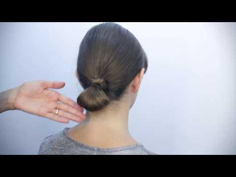Come realizzare un semplice chignon con capelli lunghi o medi
