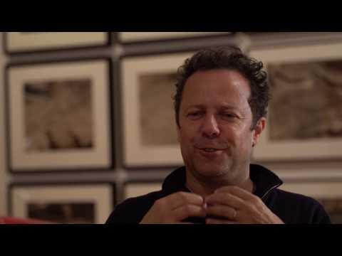 Interview with the artist Vik Muniz