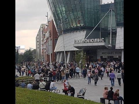 Latest  Evacuation in Komsomolskaya Square near 3 Moscow train stations after bomb threat