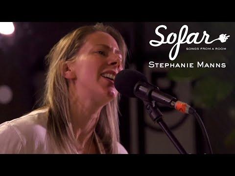 Stephanie Manns - Bonnie And Clyde | Sofar Washington, DC