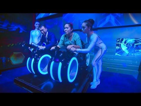 Tron Lightcycle Power Run - Shanghai Disneyland - YouTube