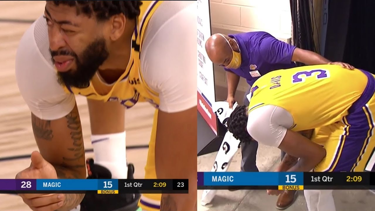 Anthony Davis got hit in the eye and is heading back to the locker room