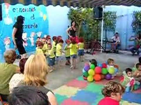 Festival fin de curso escuela infantil sol y luna youtube for Decoracion de aulas infantiles