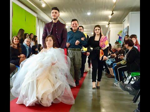 """""""Oltre l'abito"""": sfilata di moda nel..."""
