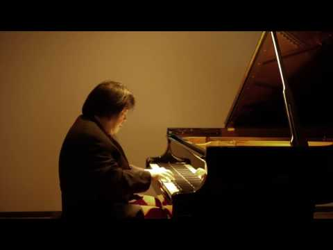 Maximus Yoshimura Plays Franz Schubert...