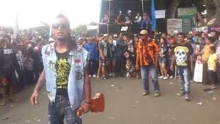 Video kompesok  PUNK VS KORUPTOR ricuh tapi seru download MP3, 3GP, MP4, WEBM, AVI, FLV Agustus 2018