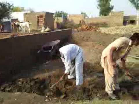 Pakistan: FAISY (Construction of House at Village Adhi kot).flv