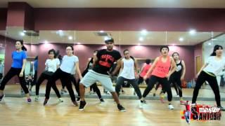 Jugni Peeke Tight Hai | KKPK | Kanika Kapoor, Kapil Sharma | by Master Santosh @ Vietnam