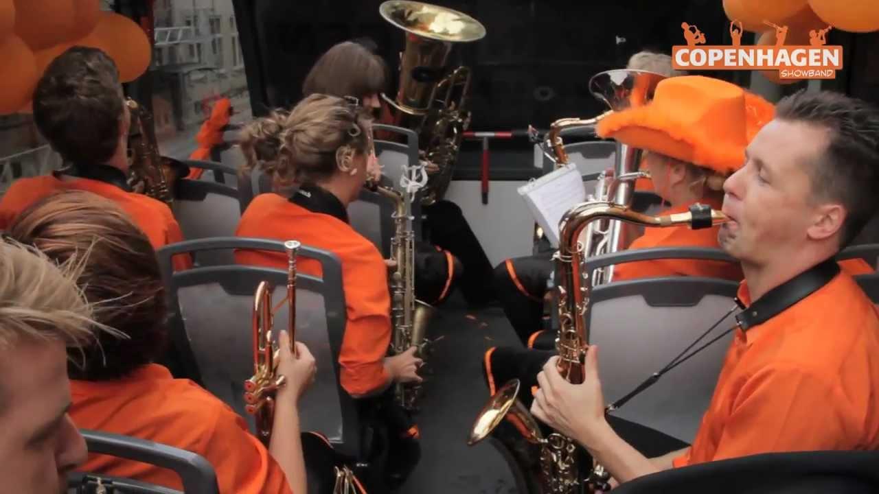 Sir Duke i en bus - Copenhagen Showband - YouTube