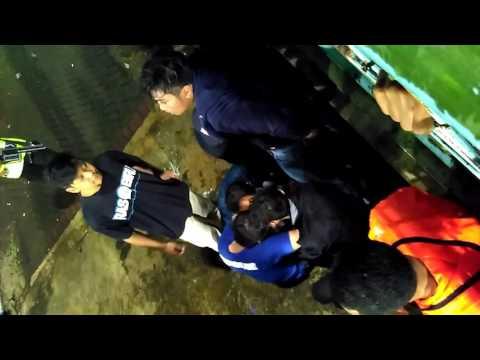 Ngeri !!! Bonek Sekarat di Kanjuruhan  Saat Laga Arema vs Persija Piala 11 Feb 2017