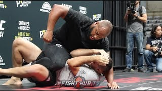 DANIEL CORMIER DISPLAYS WELL ROUNDED STRIKING AND WRESTLING AT UFC 241 OPEN WORKOUTS